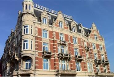 Hotel De L'Europe in Amsterdam is the best hotel in Europe. The hotel was awarded the 'Grand Prix du Meilleur Hotel and Europe Award' during the Prix Villegiature Awards ceremony in Paris. At the Shangri-La hotel in the French capital, awards were offered to the best hotels in Europe, Asia and Africa.