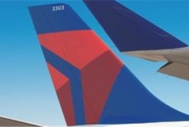 Boarding an aircraft takes time and may cause delays and stress. Tests have shown that placing hand luggage in overhead bins is a big time consumer. Delta Air Lines is testing a new boarding concept with staff handling all carry-ons before travellers get on board.